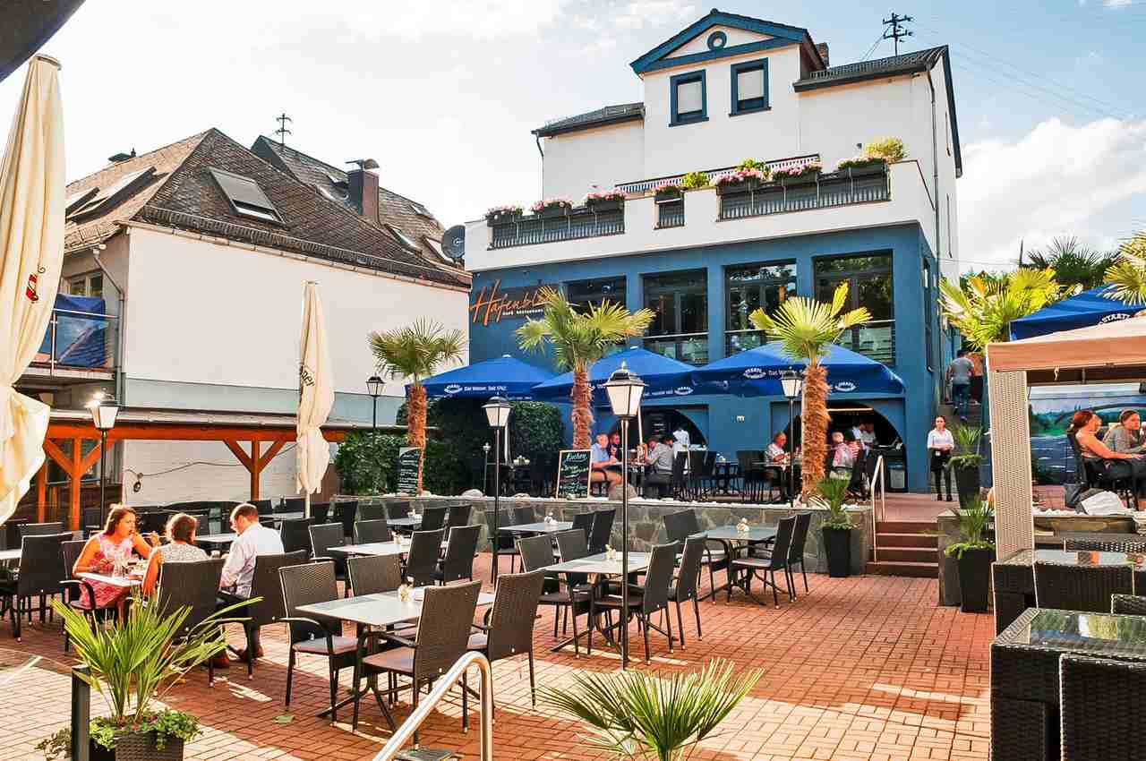 Hafenblick Wiesbaden